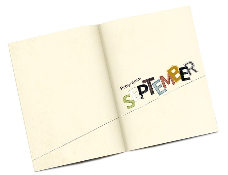 Auf den ersten Innenseiten steht Programm September in der verspielten und bunten Typografie des Covers