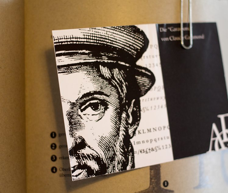 Detail Einleger Postkarte Garamond